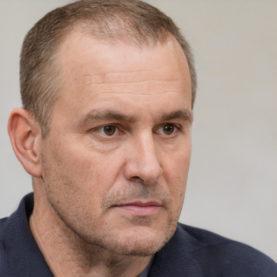 Михаил Бабарин